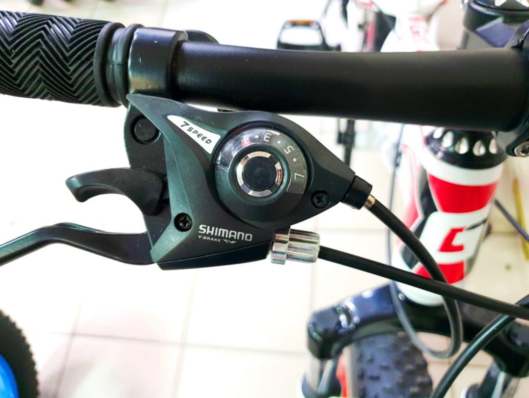 переключатель скоростей велосипеда