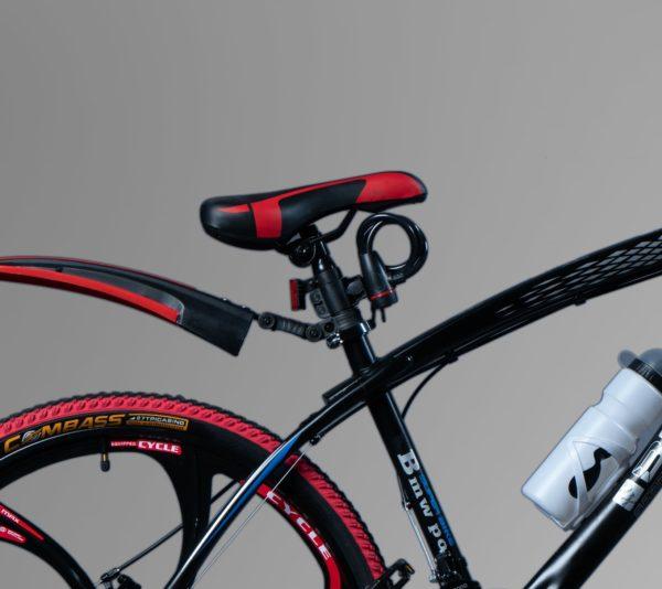 Велосипед BMW черный на литых дисках