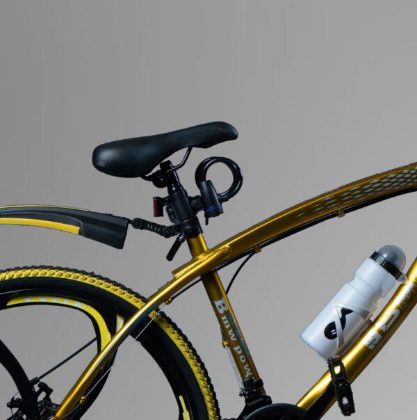 Велосипед на литых дисках BMW Золотой