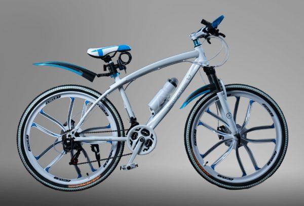 Велосипед на литых дисках Mercedes белый