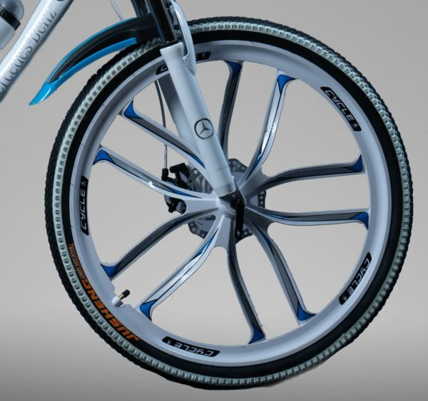 Велосипед на литых дисках Мерседес белый